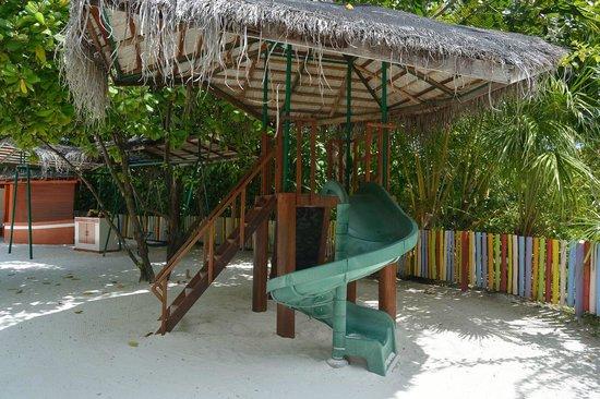 Anantara Dhigu MaldivesResort: детская площадка