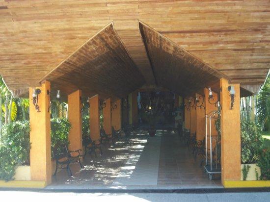 Palma Real Beach Resort & Villas : Grand entrance