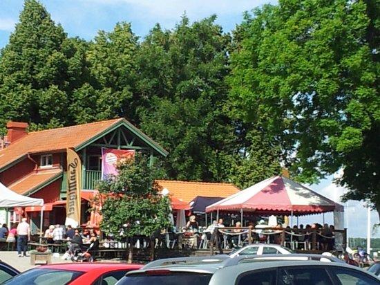Sundbyholms Slott: 10-08-2013 cafe at the marina