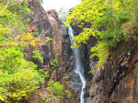 Klong Plu Waterfall: waterfall