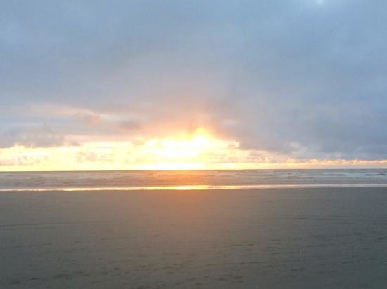 Quality Inn - Ocean Shores: sunset