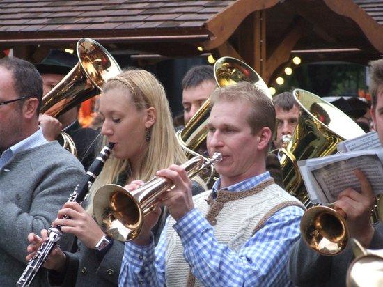 Potsdamer Platz : Когда поет труба.