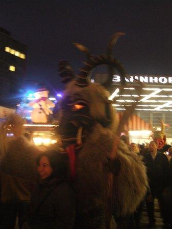 Potsdamer Platz : Ночное чудовище Potsdamerplatz.