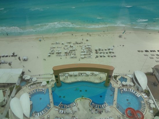 Beach Palace: view of beach from roof