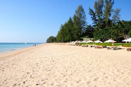 Layana Resort and Spa : Strand