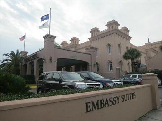 Embassy Suites by Hilton Charleston - Historic Charleston: Valet parking only