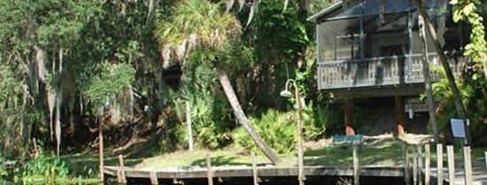 Linger Lodge Restaurant: Linger Lodge overlooking the Braden River