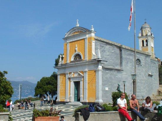 Church of San Giorgio: La vista dal belvedere sul mare