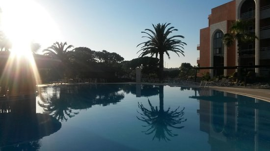 Falésia Hotel : Pool sunset