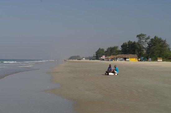 Ramada Caravela Beach Resort: на пляже