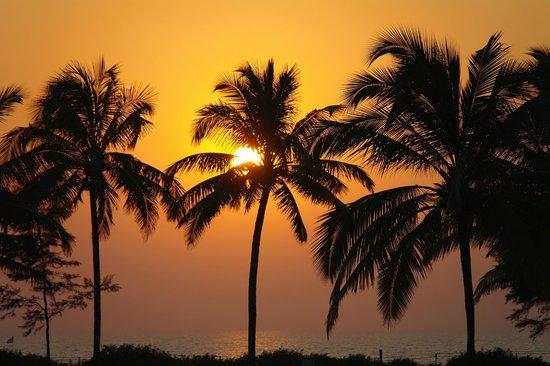 Ramada Caravela Beach Resort: потрясающие закаты