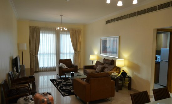 Al Barsha Hotel Apartments by Mondo : гостинная