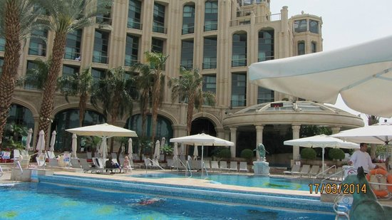 Queen of Sheba Eilat: Hotel view from the pool