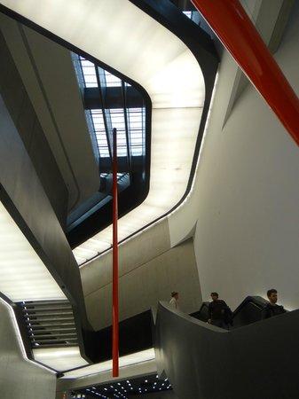 MAXXI - Museo Nazionale Delle Arti del XXI Secolo : trappenhuis
