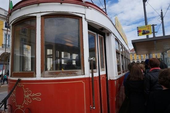 Yellow Bus Tours Lisbon : tram for the tram tour