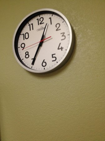 Extended Stay America - Austin - Metro: The clock was broke.
