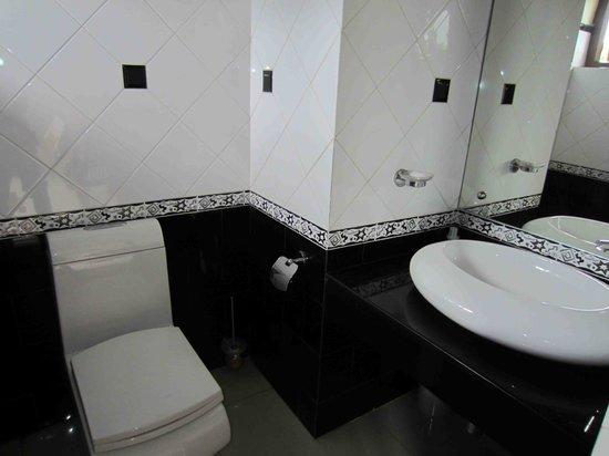 Airport Villa: WC