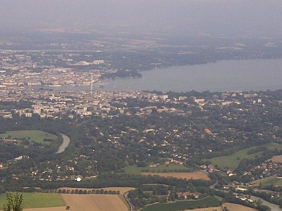 Genfer See: View of Geneva from Saleve.
