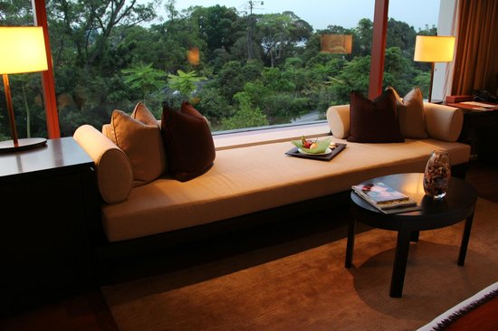 Capella Singapore: Nice place to sit and stare outside of the glass