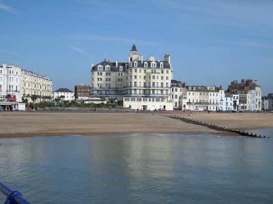 Queens Hotel: View of the hotel from the pier