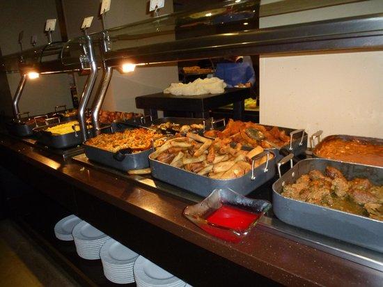Hotel Prima Royale: buffet des plats