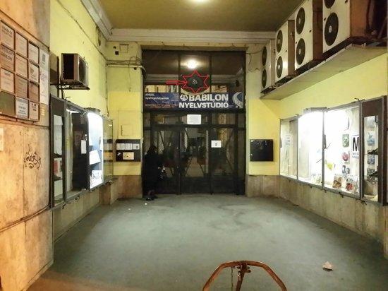 Budapest City Central: Accesso struttura dall'esterno