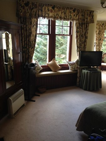 Tigh na Sgiath Country House Hotel: Cute window seat