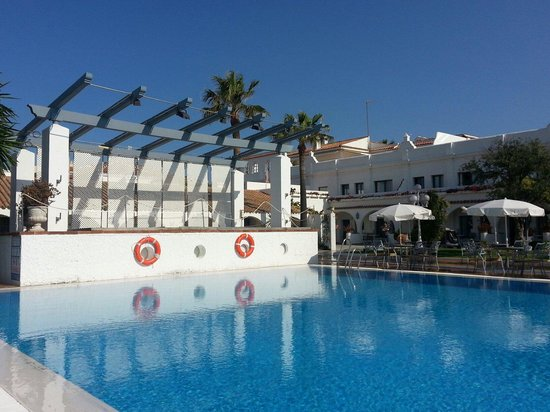 Hotel Playa de la Luz : The pool