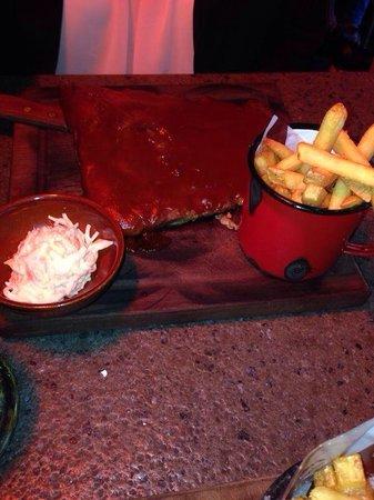 Hickory's Smokehouse: Half BBQ ribs