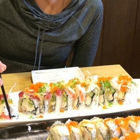 Sushi Berry: Rainbow Roll