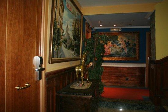 Hotel Mur : Couloir