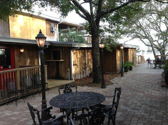Dewey Destin Harborside: Dewey Destin's Harborside