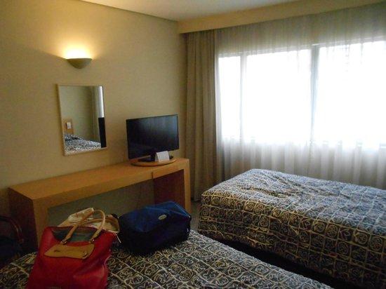 Prodigy Grand Hotel & Suites Berrini: Quarto