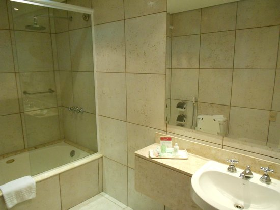 Prodigy Grand Hotel & Suites Berrini : Banheiro