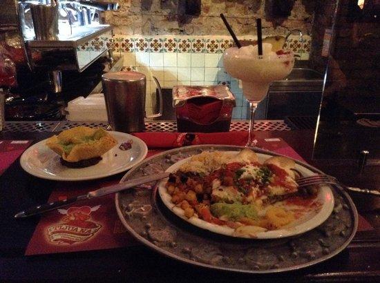 Tijuana: Piña Colada, guacamole, taco veggie... <3