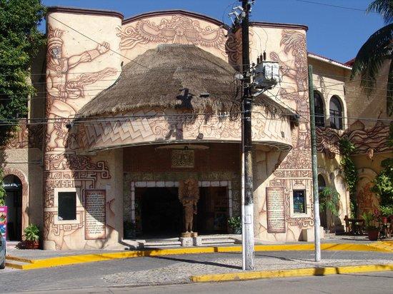 Hotel Xbalamqué Resort & Spa: Front entrance