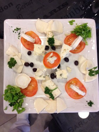 assiette de fromage picture of bell italia nice tripadvisor. Black Bedroom Furniture Sets. Home Design Ideas