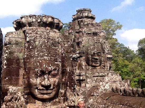 Bayon (Angkor) : the faces