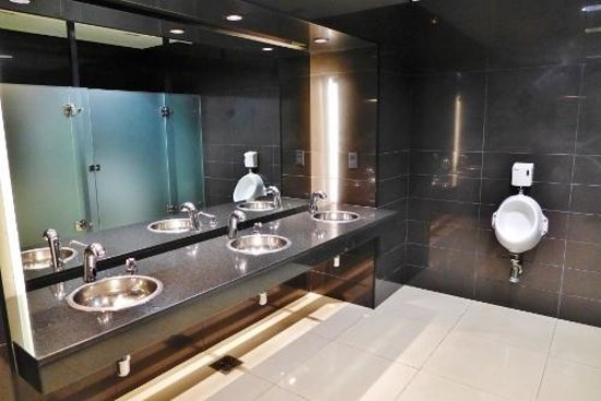Great bathrooms - Picture of Cafeteria Allegro, Montevideo ...