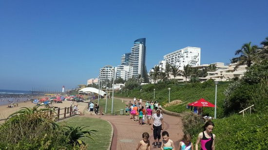 uMhlanga Sands Resort : Walkway in front of The Sands