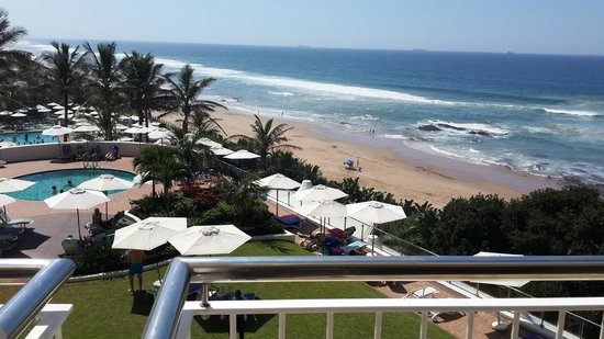 uMhlanga Sands Resort : Overlooking the Beach