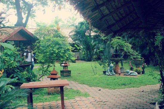 Secret Garden Chiang Mai: Vue de la salle à manger