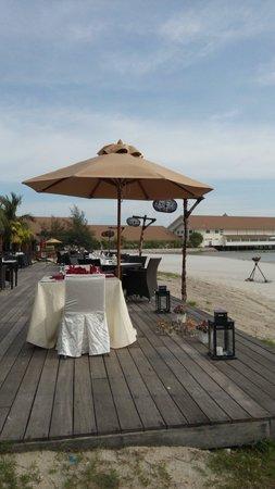 Perahu restaurant at Avani sepang gold coast resort