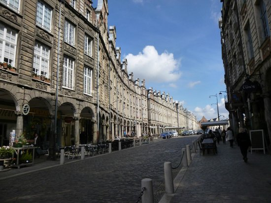 A row one side of Grand Place