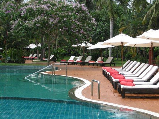 Sofitel Angkor Phokeethra Golf and Spa Resort : pool