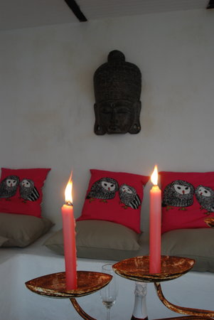 Apart Hotel Koala Tarifa : garden lounge