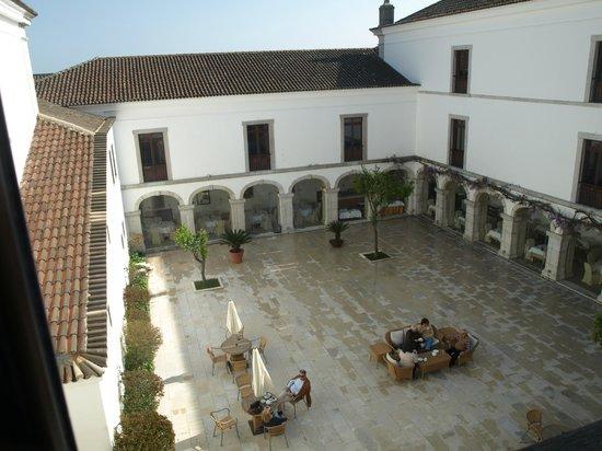 Pousada de Palmela Historic Hotel: Zonas de lazer, pátio interior.