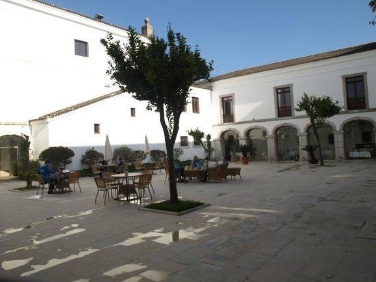 Pousada de Palmela Historic Hotel: Pátio interior