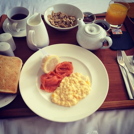 Drakes Hotel Brighton : Breakfast in bed
