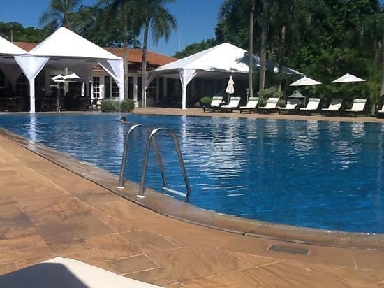 Belmond Hotel das Cataratas: l'eau est bonne et la caipirinhia bien fraiche.
